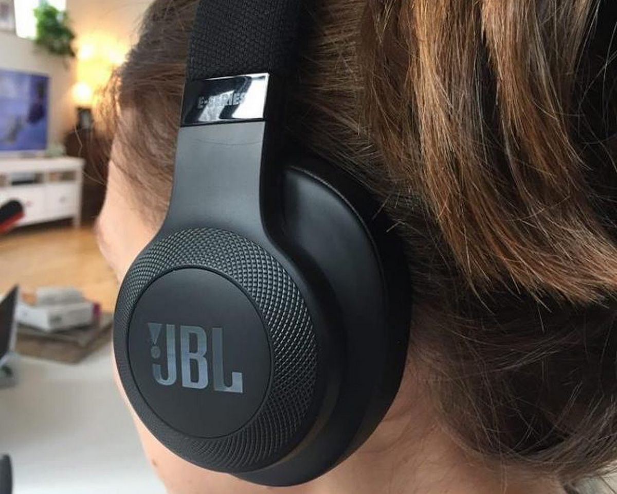 JBL E55BT - Réduction de bruit